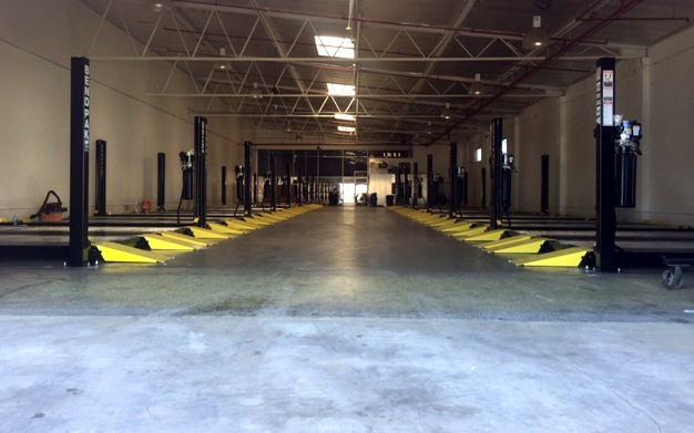 Multi-Unit Commercial Four-Post Lifts for Car Storage