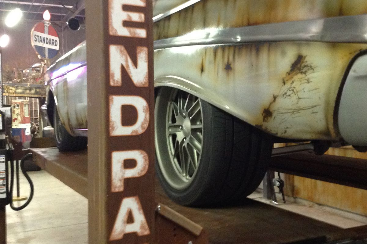 BendPak Four-Post Lift Vegas Rat Rods